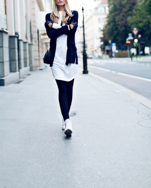 .Blonde on the street. Urban fashion casual .style
